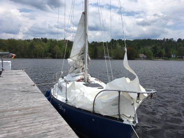 Blaze mast uo ,sails on , ready to go